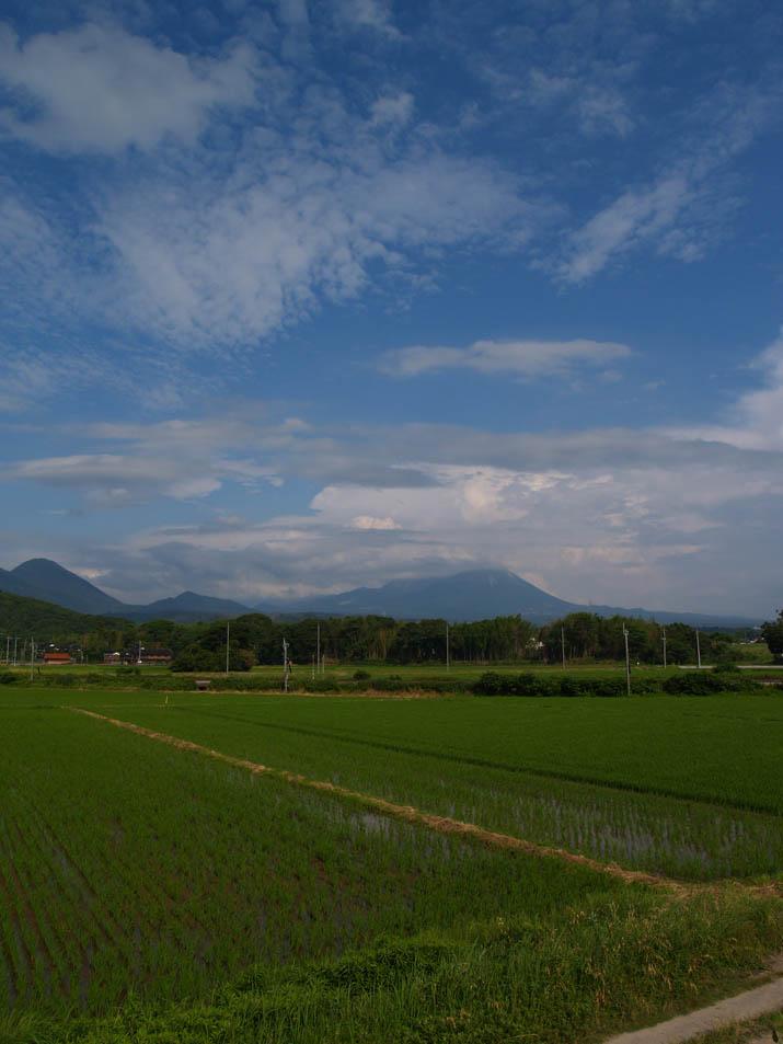 110630 青空と大山と.jpg