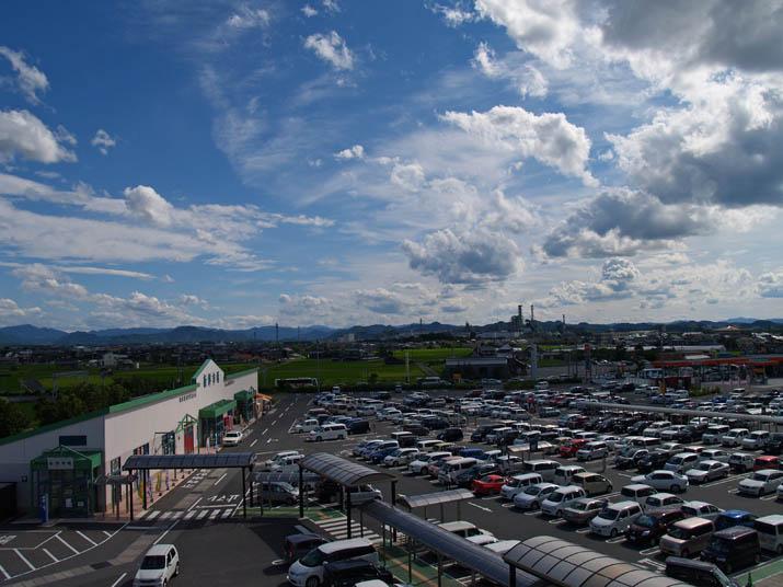 110709 新鮮市場とイオンの駐車所.jpg