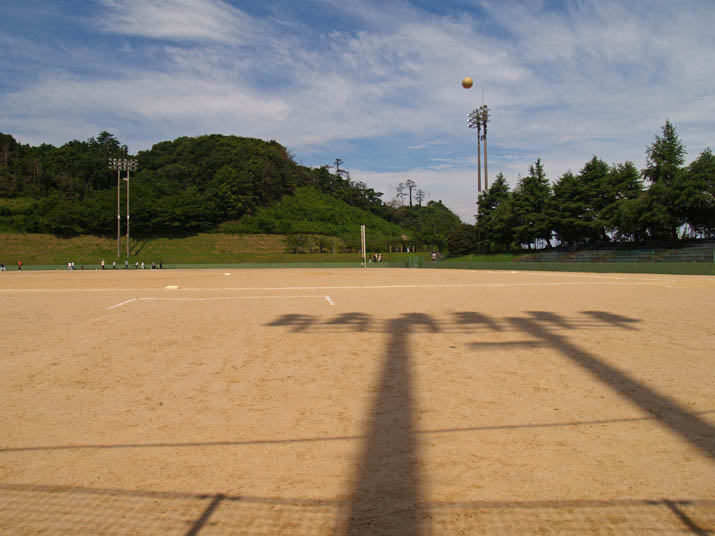 110710 淀江運動公園の野球場.jpg