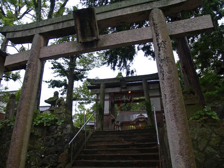 110719 三輪神社のお祭り.jpg