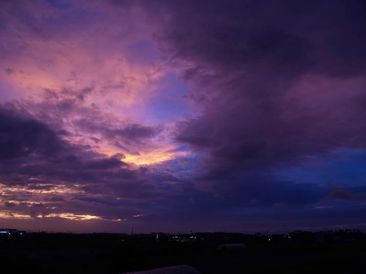 110719 紫色の夕焼け.jpg