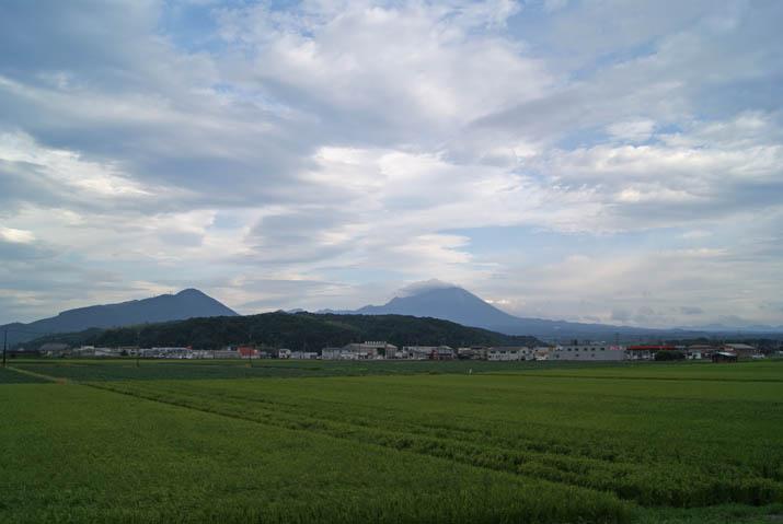 110824 田園と大山と.jpg