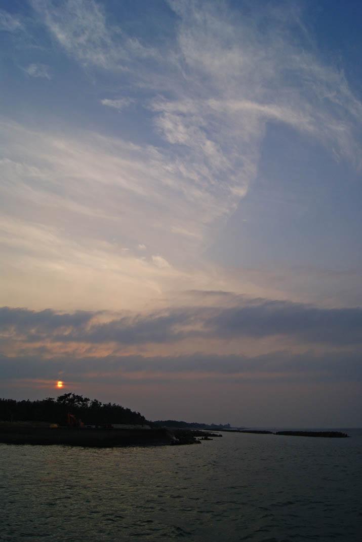 111012 夕焼けの海.jpg
