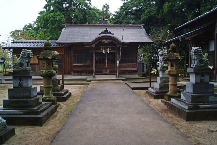 111022 清掃後の三輪神社.jpg