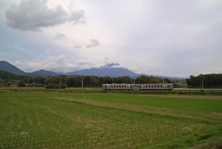 111110 山陰線の普通列車.jpg