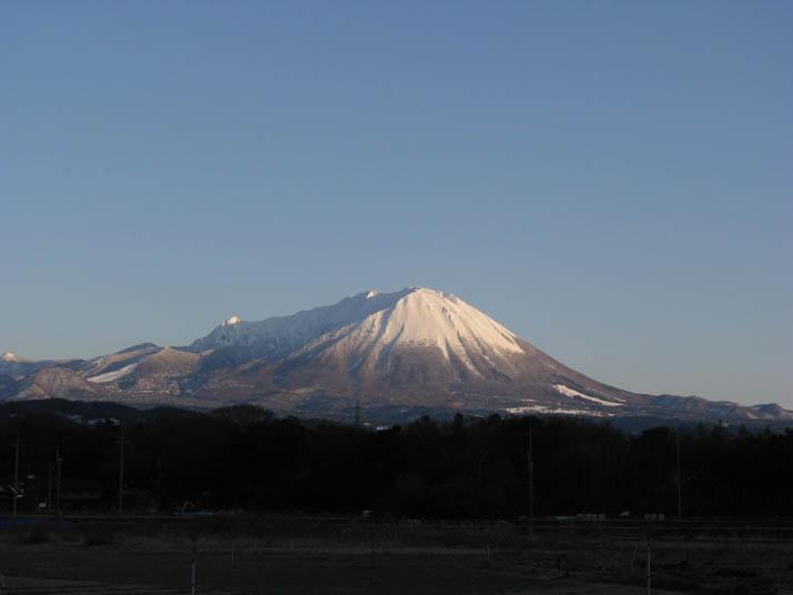 120108 冠雪の大山.jpg