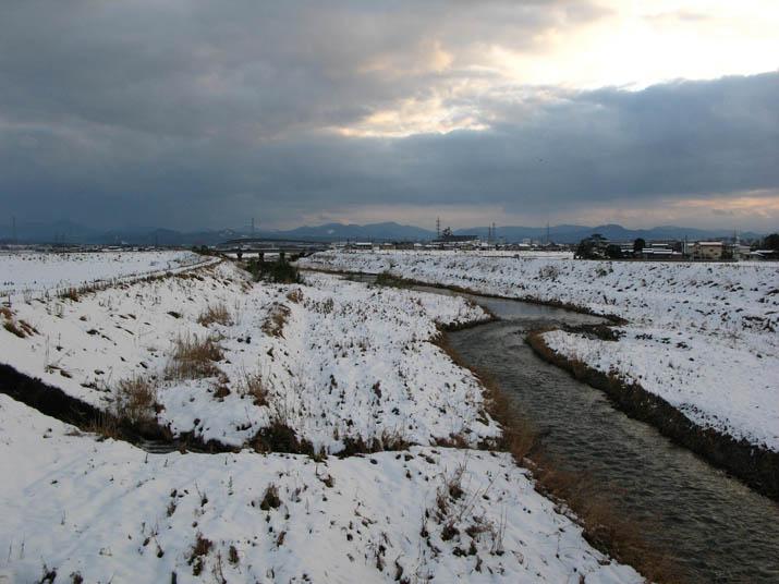 120128 佐陀川の上流方向.jpg