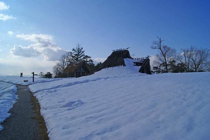 120204 雪の妻木晩田遺跡.jpg