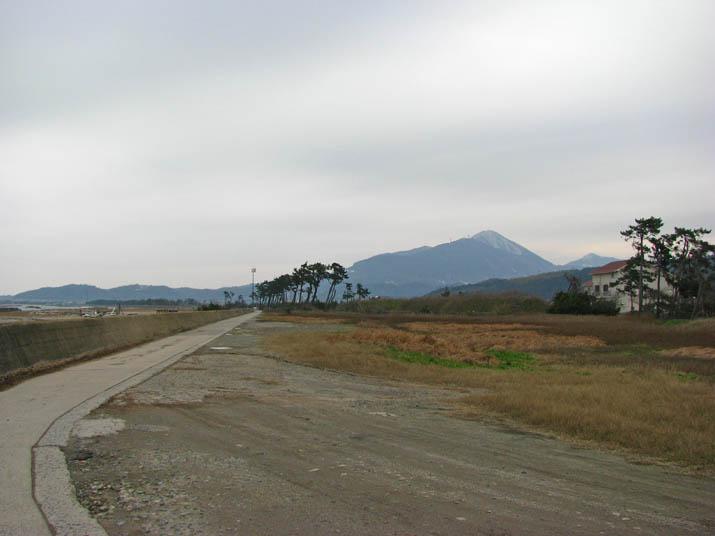 120222 佐陀川河口近くの海岸.jpg