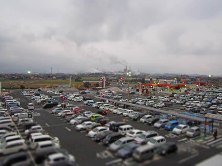 120225 イオン日吉津の駐車場は満杯.jpg