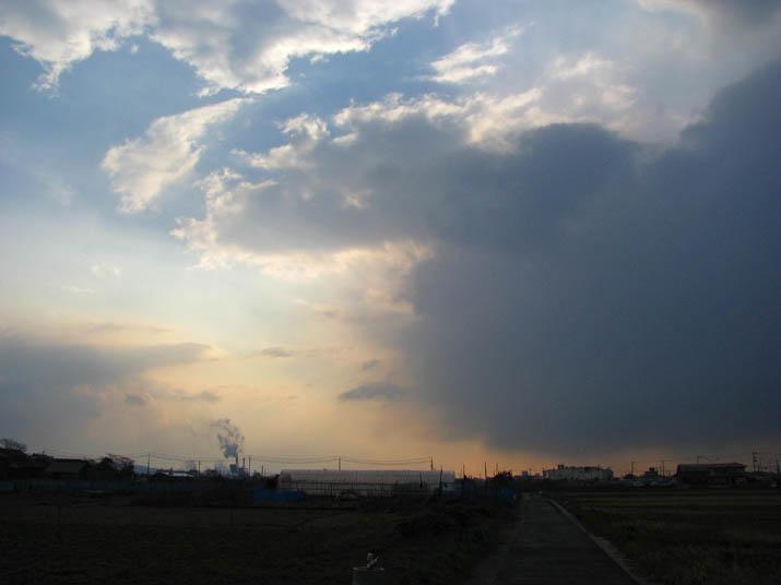 120324 夕方の空と雲.jpg