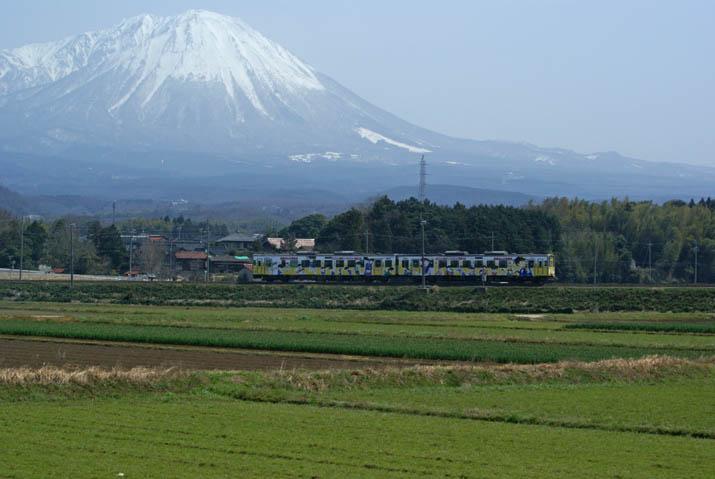120402 大山とコナン列車.jpg