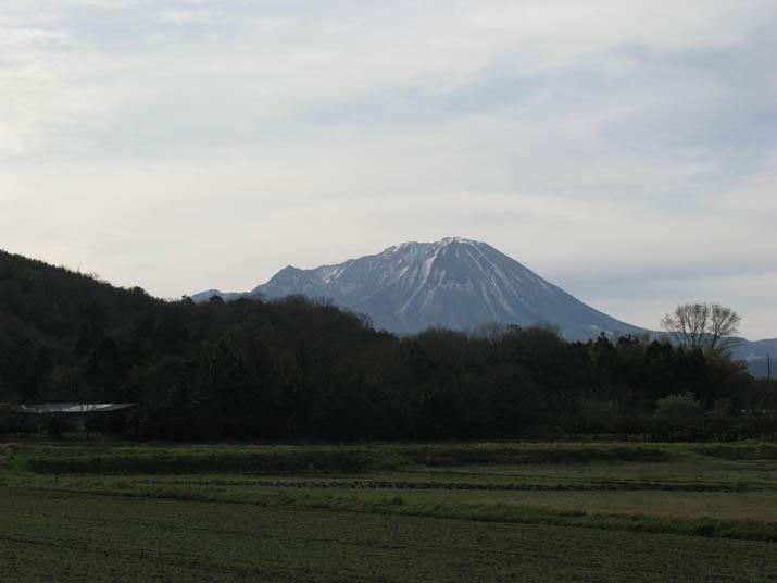 120415 朝の大山.jpg