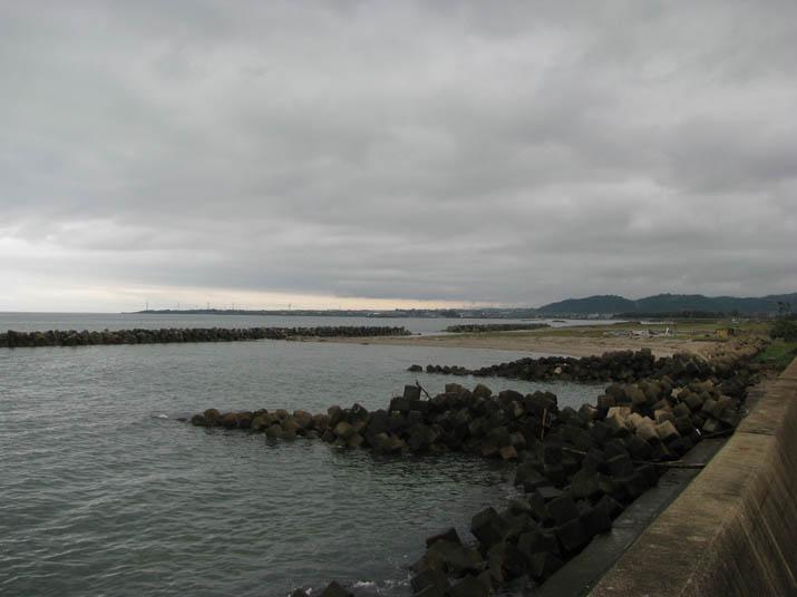 120515 淀江海岸沿いの雲.jpg