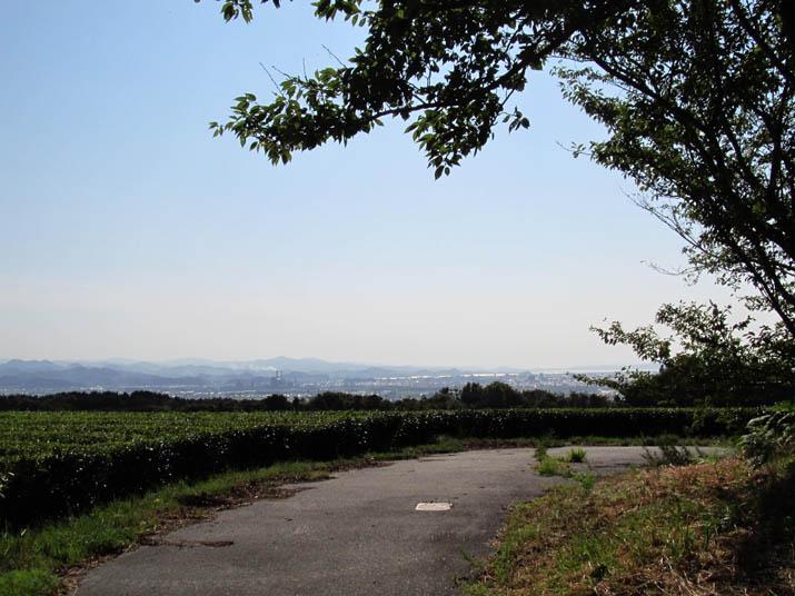 120808 壷瓶山山頂と米子市街.jpg