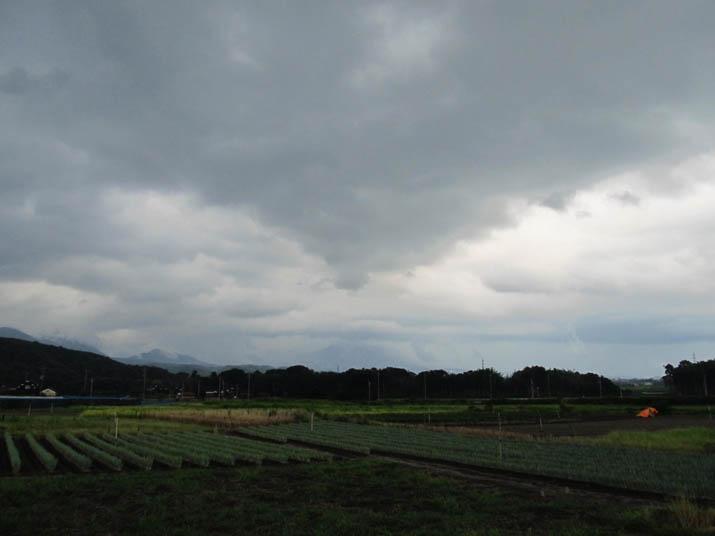 120813 広がる雲と見えない大山.jpg
