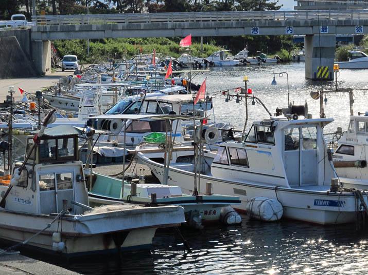 121010 係留された漁船.jpg