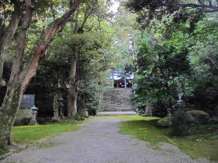 121016 日吉神社 参道.jpg
