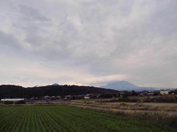 121031 淀江町小波 冬空.jpg