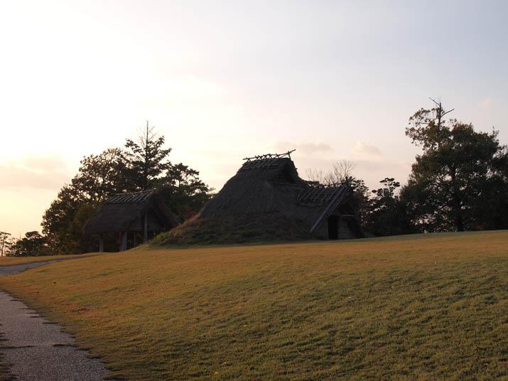 121114 竪穴式の住居.jpg