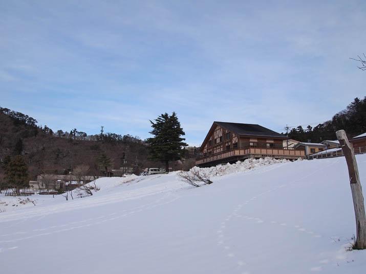 121206 博労座駐車場 雪の斜面.jpg