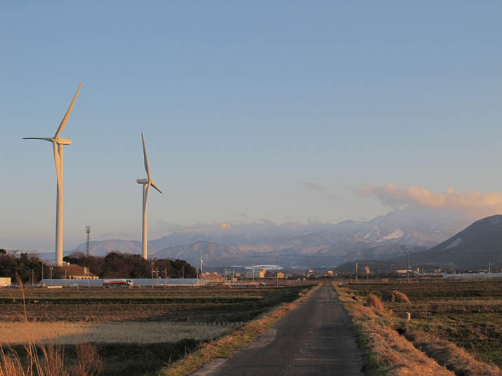 20130111 大山と風車