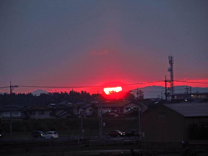 130610 真っ赤な夕日.jpg