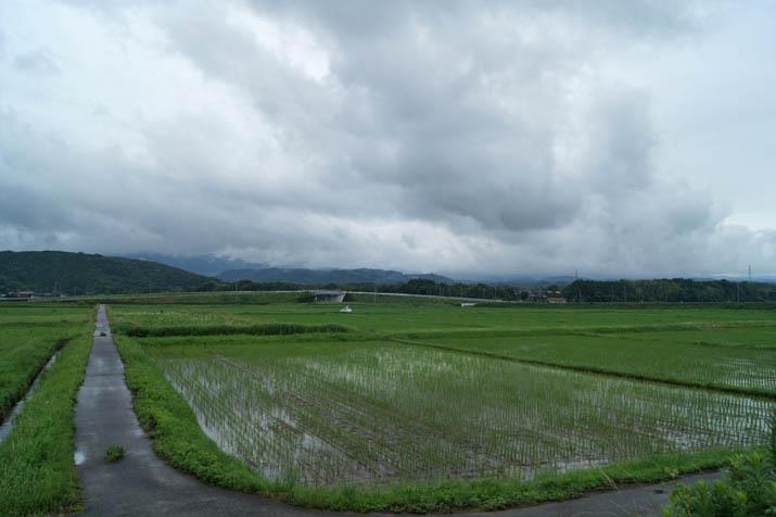 130621 厚い雲と隠れた大山.jpg