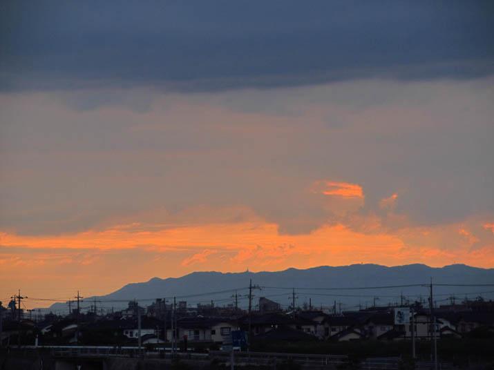 130701 日没前の赤い空.jpg