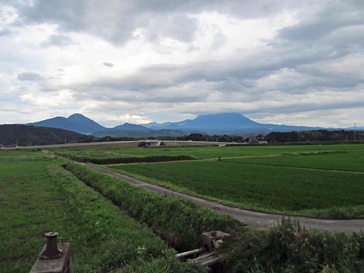 130707 梅雨の大山と田園.jpg