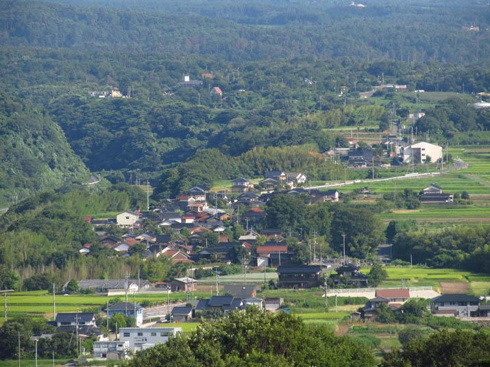 130819 高台にある淀江町の町並み.jpg
