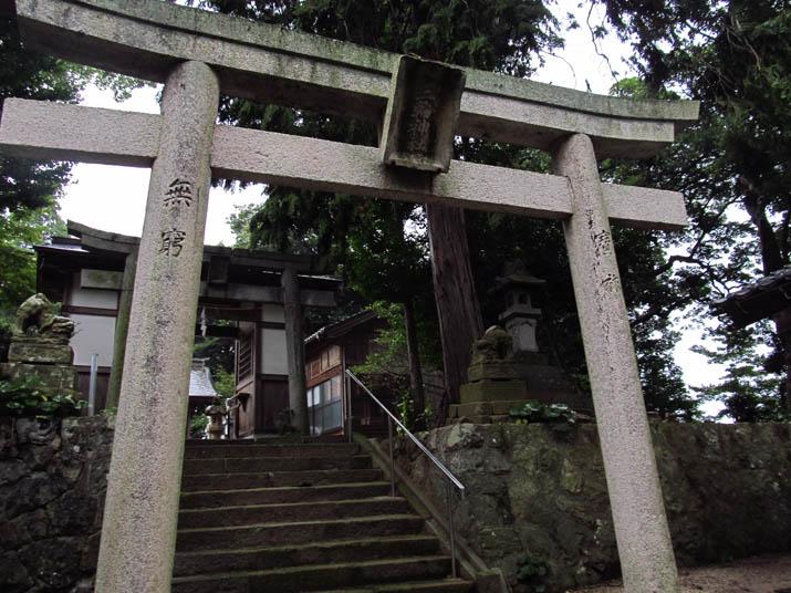 130915 三輪神社 鳥居.jpg