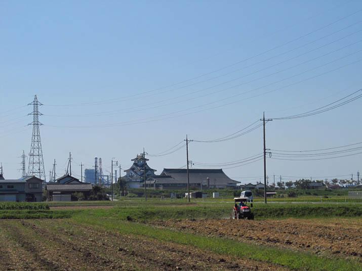 130921 寿城とトラクター.jpg