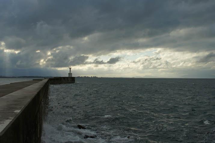 131021 灯台と海.jpg