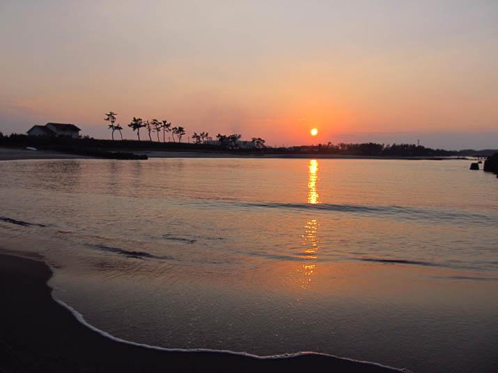 131116 海へと沈む夕日.jpg