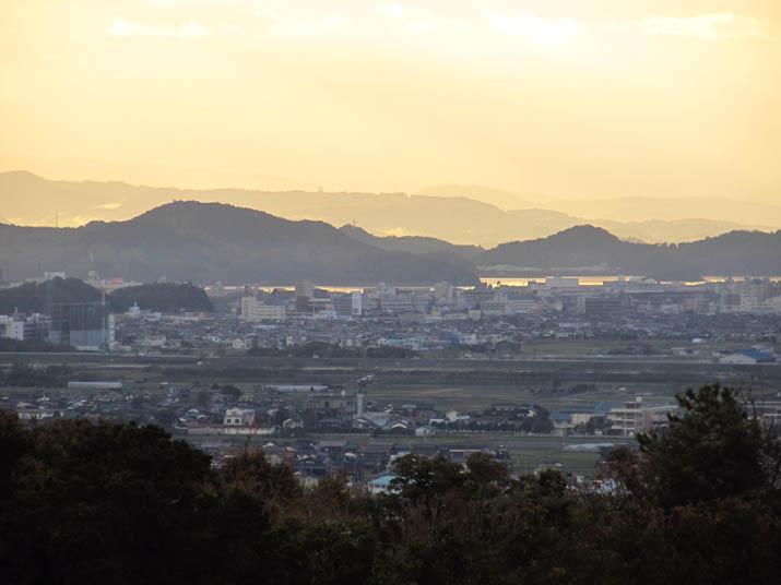 131118 米子市街と遠くの山.jpg