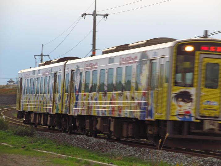 131128 通り過ぎるコナン列車.jpg