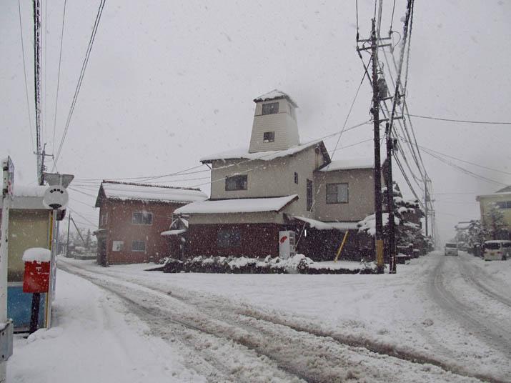 131228 小波浜公民館前の雪.jpg