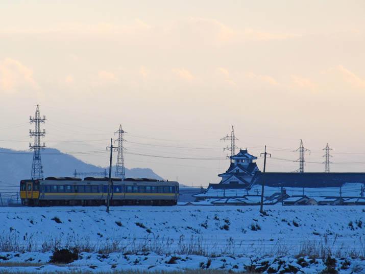 131229 寿城と特急列車.jpg