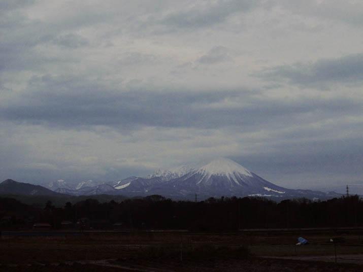 140103 日没後の大山.jpg