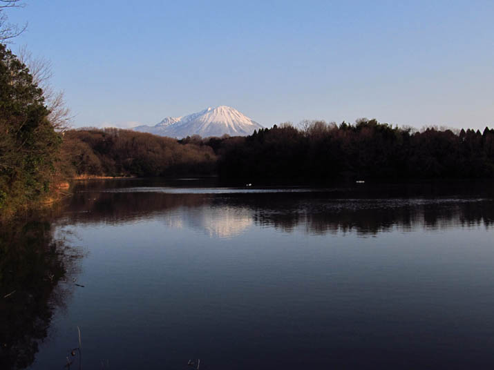 140131 岡成池と大山.jpg
