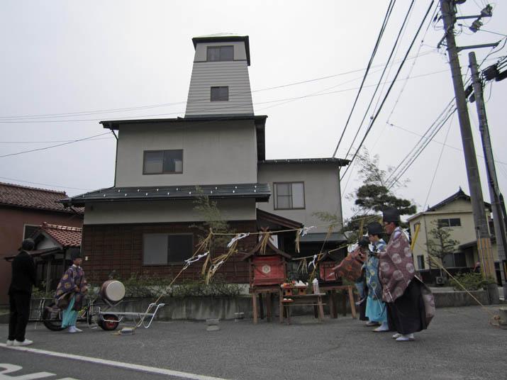 140419 春の大祭 小波浜公民館横.jpg