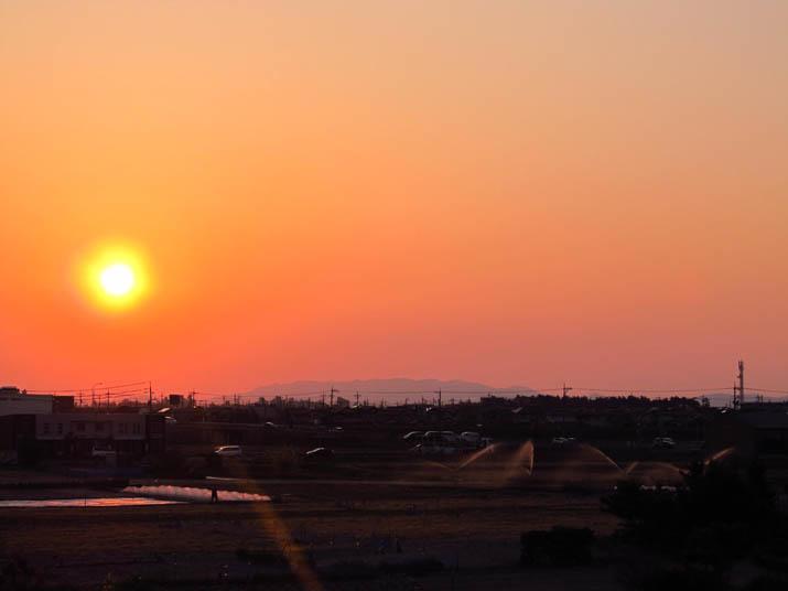 140424 オレンジ色の夕日.jpg