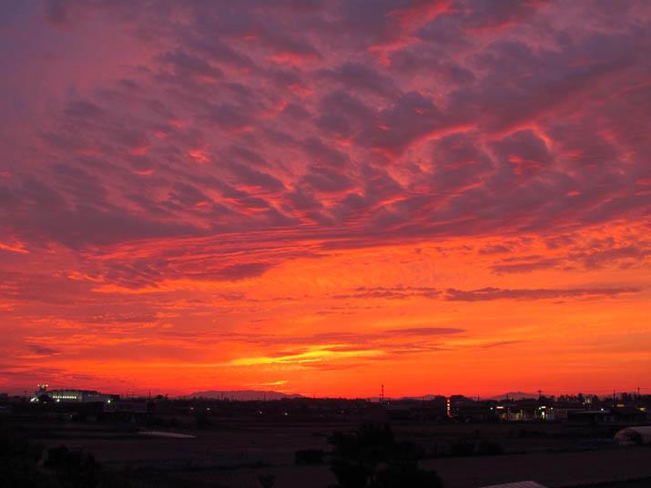 140514 オレンジ色の夕焼け空.jpg