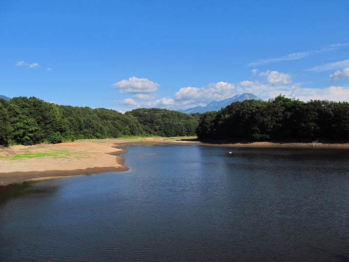 141002 岡成池と大山.jpg