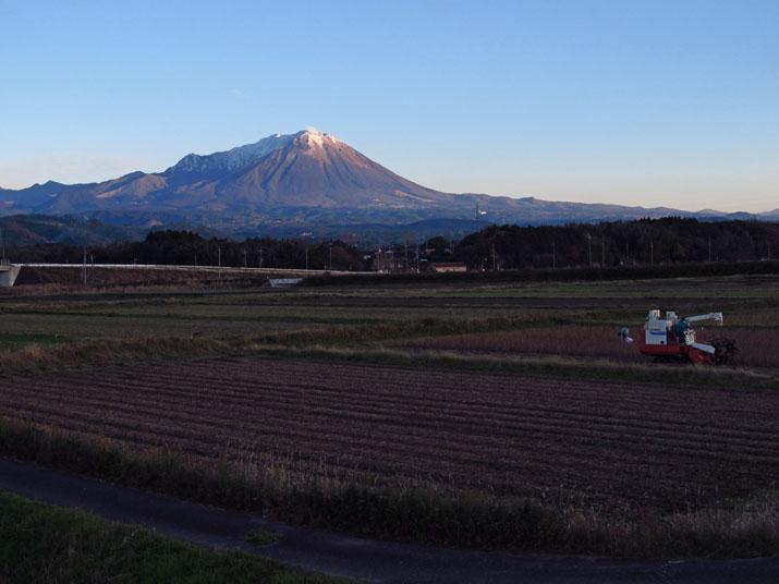 151211 夕暮れ大山.jpg