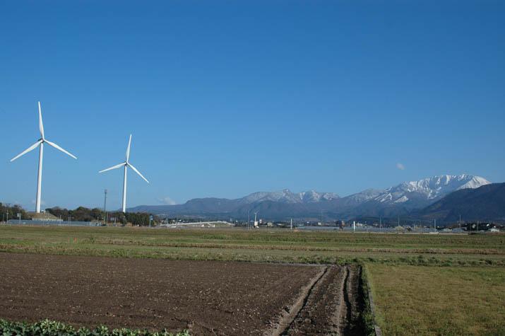 風車と大山.jpg